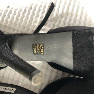 Steve Madden Shoes - 🍃Steven Madden🍃 black pumps